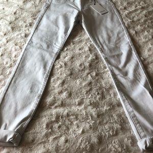 NWT Cello Size 3 White Jeans
